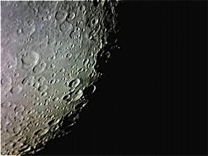 自作カメラによる月面。レジスタックス5で処理。